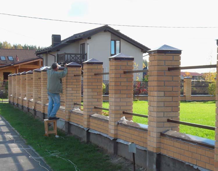 Забор из кирпича и профнастила своими руками фото