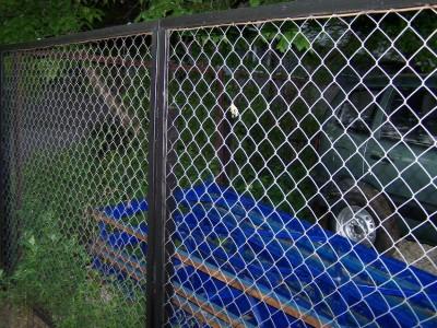 Секционный забор из сетки-рабицы