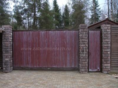 комбинированный забор из дерева и камня
